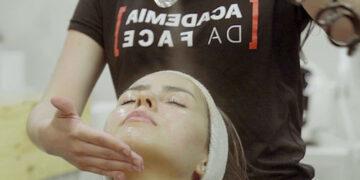 Franquia de estética cria serviço de musculação facial